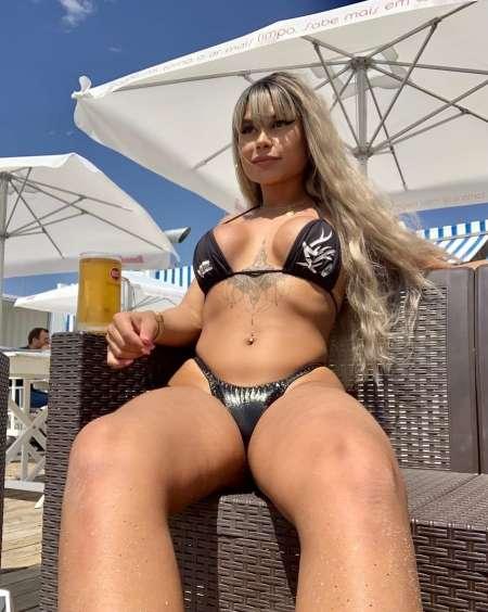 Dispo Now, la belle trans dominatrice jhennifer 23